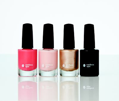 "<a href=""https://endotaspa.com.au/products/ranges/gift-skincare-packs/summer-nail-collection/c-24/c-92/p-1218"" target=""_blank"">Endota Spa The Summer Collection, $40.</a>"