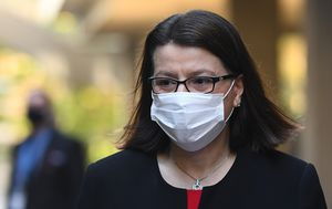 Victoria Health Minister Jenny Mikakos announces resignation following hotel quarantine inquiry