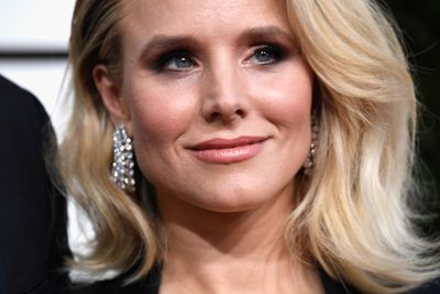 <p>Kristen Bell's was golden and gorgeous with those incredible cheekbones highlighted with a hint of rosy blush.</p> <p>Image: Getty.</p>
