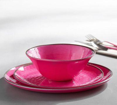 "Swirl melamine dinnerware, $12, <a href=""http://www.potterybarn.com.au/swirl-melamine-dinnerware-pink"" target=""_blank"">Pottery Barn</a>"