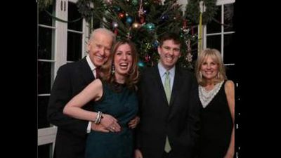Biden got grabby in this Christmas photo. Too much eggnog? Maybe, but it earned him the hashtag #creepyuncle