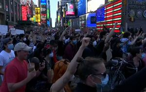 Gallery: Protesters flock to New York's Times Square for George Floyd rally