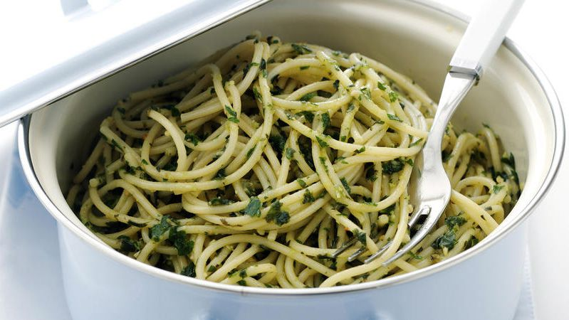 Spaghettini with pesto