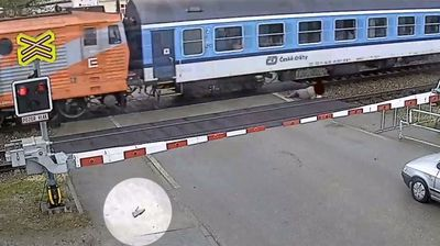 Click through to see the video, and other great train near misses.