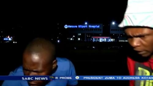 Two thieves rob a South African news crew