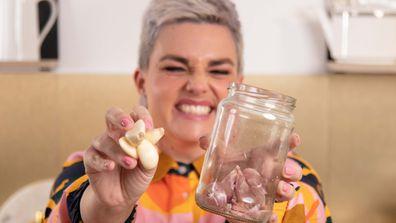 Jane de Graaff's really useful kitchen hack with garlic