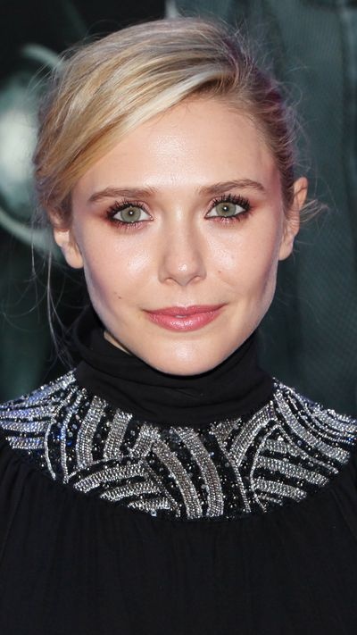 Olsen is a new-gen beauty icon for fair-skinned girls everywhere. Her MO? Dewy skin, bronzed lids (it makes green and blue eyes pop) and a tinted berry lip.