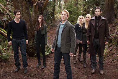 Watch the full trailer plus more Twilight clips next!