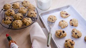 Spicy Anzac biscuits with fruit