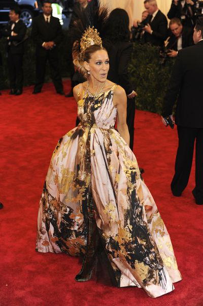 8. Hats off to Sarah Jessica Parker again in 2013 at PUNK: Chaos to Couture in Giles Deacon, Christian Louboutin boots and another Philip Treacy headpiece.