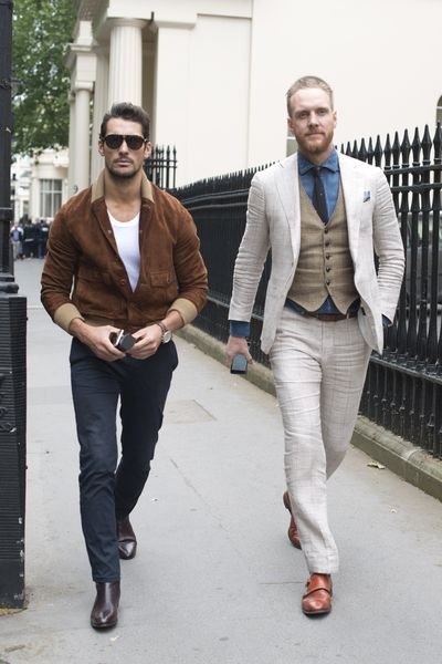 Menswear fashion week has started in London with the guys and the girls hitting the street in their finest threads. So which gender does it better?<br /><div></div>