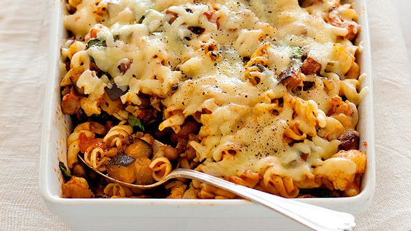 Dietician-designed vegetable pasta bake