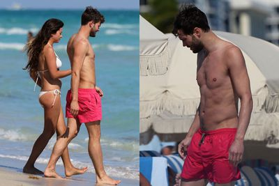 Hitting the beach with his wife Amelia Warner....also a total babe.<br/><br/>(Image: Splash)