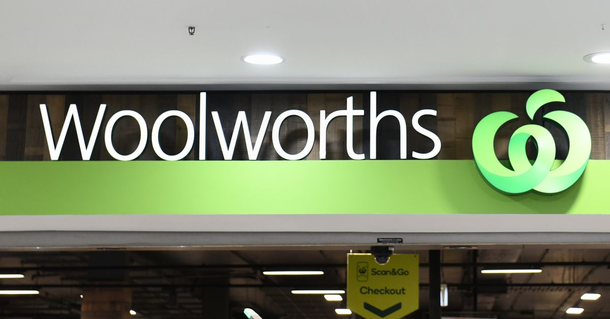 Woolworths staff fitted with body cameras to combat rise in abuse – 9News