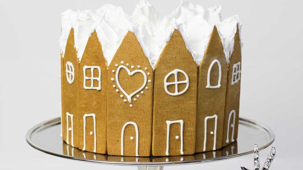 Gingerbread Christmas cake