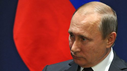Russian president Vladimir Putin says Turkey downed warplane to 'protect supply of oil from ISIL'