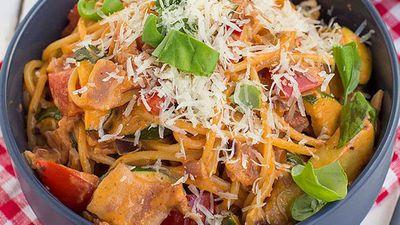 Bacon, tomato and zucchini carbonara