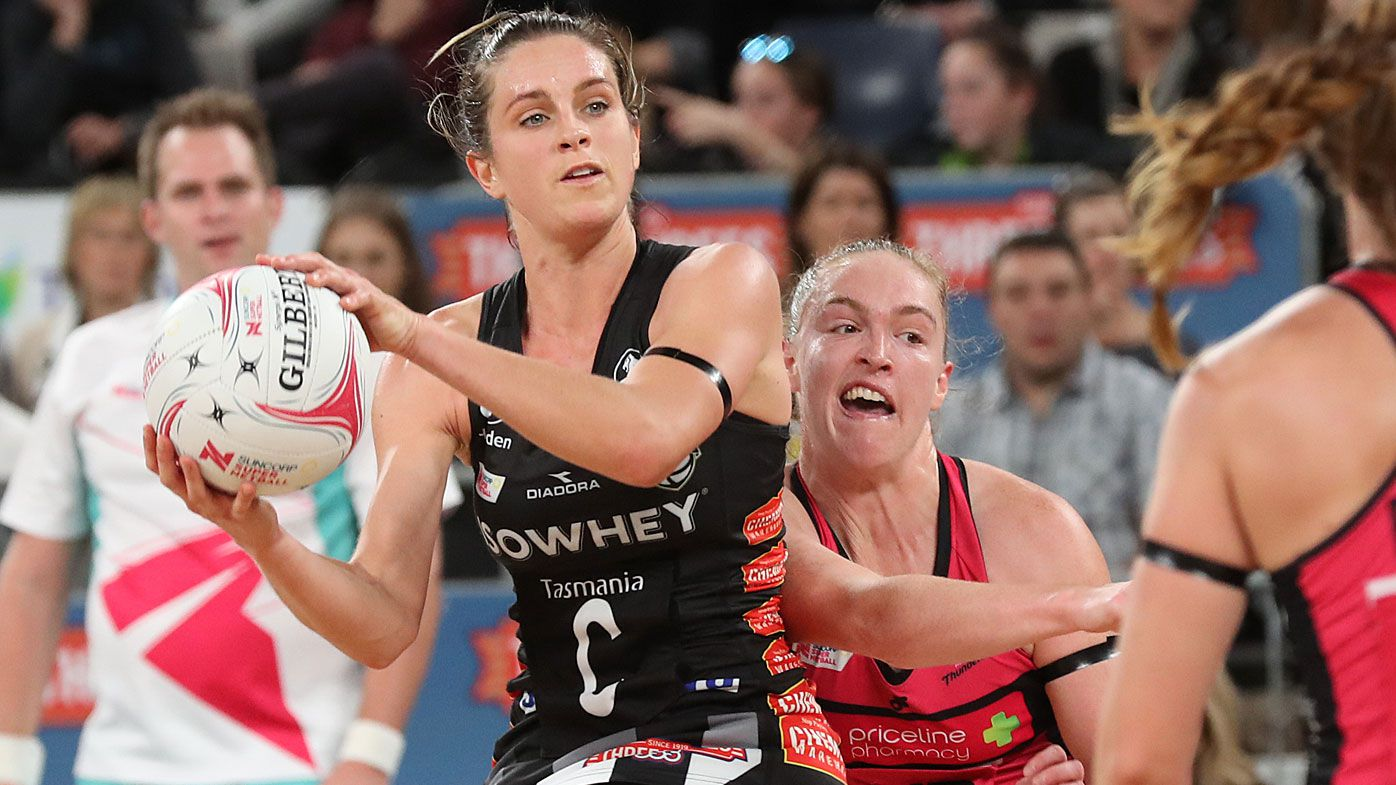 Magpies deny Thunderbirds in Super Netball