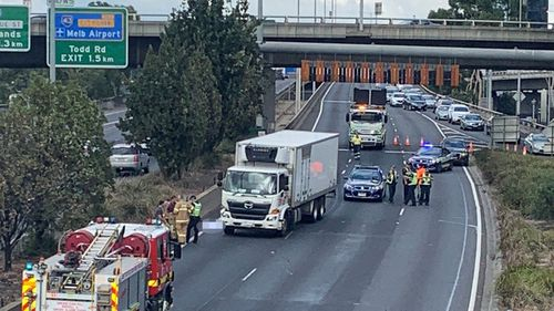 Burnley Tunnel: Pedestrian dies after being struck on Citylink