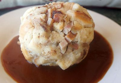 Tyrolean bacon dumpling with bier gravy