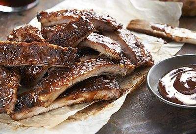 Sticky bourbon barbecue ribs
