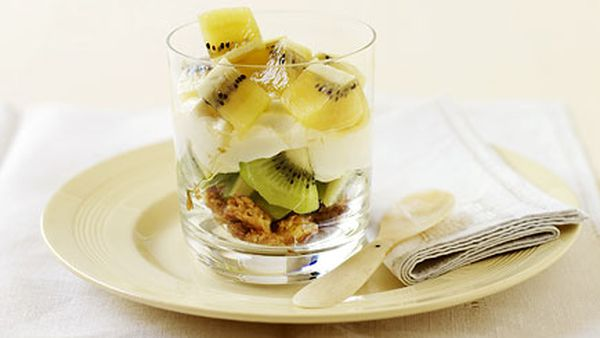 Kiwifruit and yoghurt trifle
