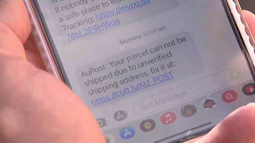 A new text scam is tricking thousands of Aussies at home waiting for their online shopping to arrive. Sydney 6pm bulletin September 22