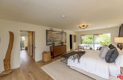 Pretty suite: the master suite is relaxing and breezy, with a lots of floor space and plush yet understated furnishings.