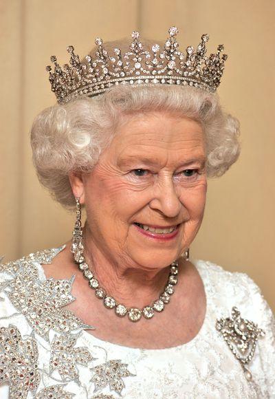 Queen Elizabeth II: Queen Alexandra's collet necklace & Queen Victoria's Diamond Jubilee brooch