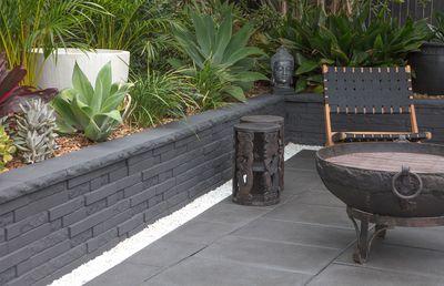 Balinese Villa Garden for  tropical indulgence