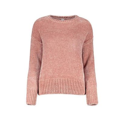 "Target <a href=""https://www.target.com.au/p/funnel-neck-textured-jumper/61017108"" target=""_blank"" title=""Funnel Neck TexturedJumper in Pink Nectar"" draggable=""false"">Funnel Neck Textured Jumper in Pink Nectar</a>, $35"