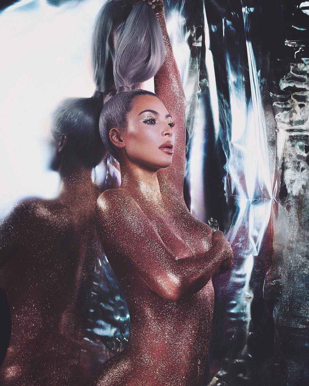 Naked Kim Kardashian Body in Glitter