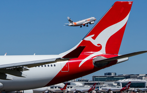 Breaking news and updates: Victoria records 28 new cases and three deaths; Only two cases in NSW; Queensland and SA ease border restrictions; Qantas, Virgin boost domestic flights