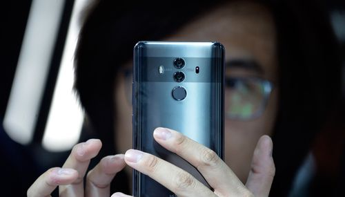 Huawei Awaits US Commerce Dept 'Guidance' on Using Android After Trump Remarks
