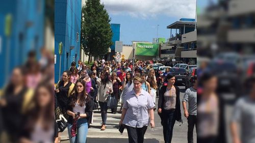 Alleged bomb scare forces staff and customers to flee from Melbourne shopping centre