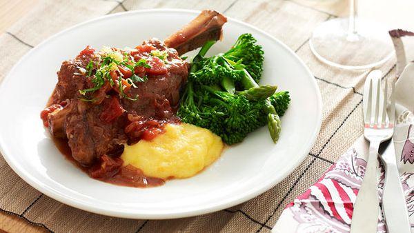 Slow cooker lamb shanks