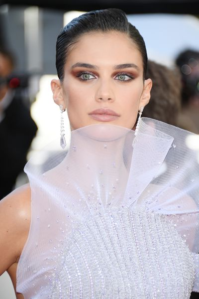 Victoria's Secret angel Sara Sampaio toted a perfect glossy pink lip at this year's Cannes Film Festival.