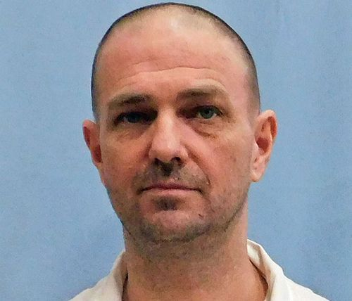 US convicted killer wins bid to be executed