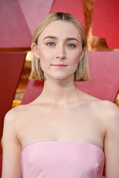 Where better to show off your new chop than the Oscar Awards? Saoirse Ronan hit all the right notes as she debuted her new bob on the carpet. She paired her new 'do with a touch of pink on her cheeks and lips.