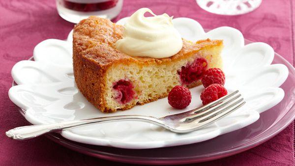 Raspberry & coconut teacake