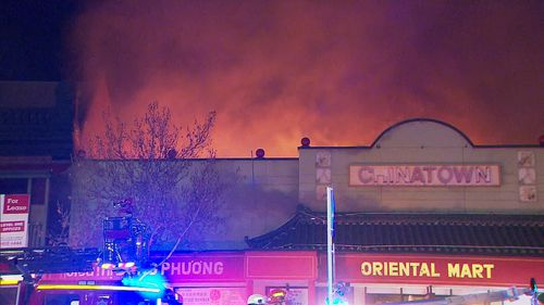 Locals warned to stay inside and close all windows until the smoke passes. (9NEWS)