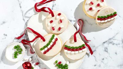 "Recipe: <a href=""https://kitchen.nine.com.au/2017/07/19/10/33/jelly-belly-christmas-bauble-cookies"" target=""_top"">Jelly Belly Christmas bauble cookies</a>"