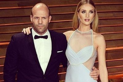 Rosie Huntington-Whitely and beau Jason Statham looked smokin' on the Vanity Fair red carpet.