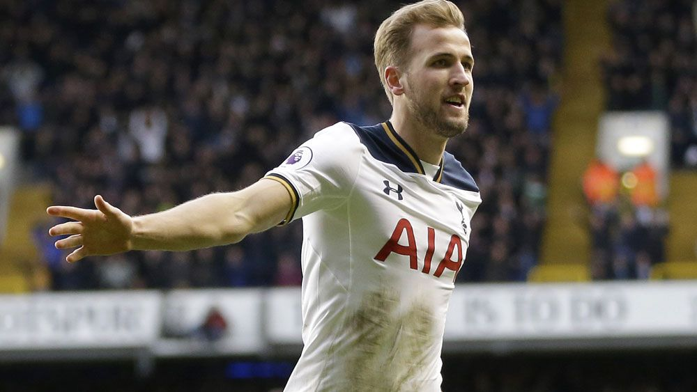 Kane brace helps Spurs see off Everton