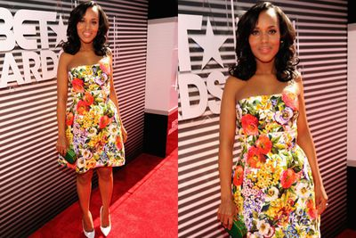 Flirty in floral! Kerry Washington is all-too-happy to flaunt her post-baby bod at the BET awards.