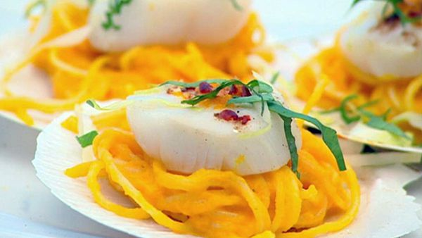 Steamed scallops with spiced carrot puree & vermicelli noodles