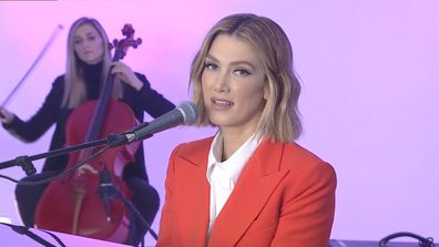 Delta Goodrem performs Paralyzed