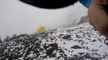 Belgian climber Jelle Veyt captured the initial avalanche. (Supplied)