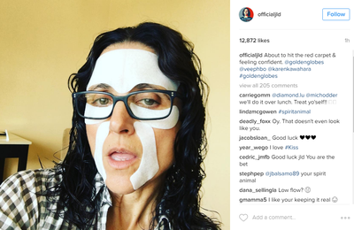 <p>Julia LD knows that beauty is pain. Or at least embarrassment. She's rocking a full-face mask while declaring it's boosting her confidence. And why not.</p> <p>Image: <em>Instagram</em>/@officialjld</p>