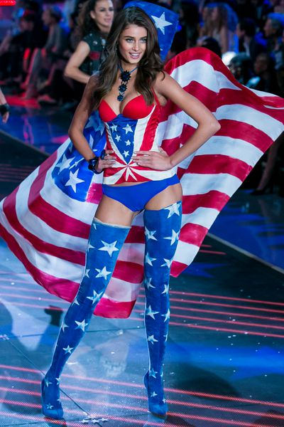 "Taylor Hill for Victoria's Secret.<span class=""Apple-tab-span"" style=""white-space: pre;"">		</span>"
